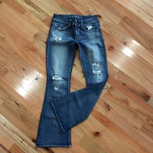 AEO Artist Flare jeans